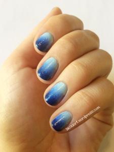 gradient nails mit p2 Nagellacken in verschiedenen Blautönen